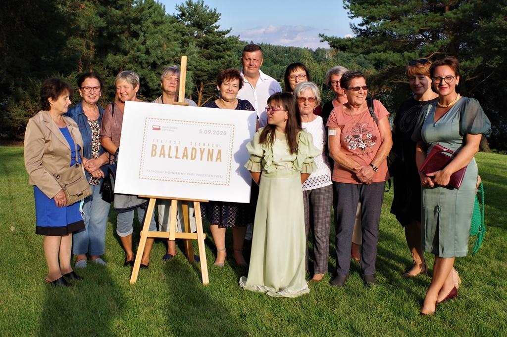 narodowe-czytanie-balladyny-w-centrum-turystycznym-nad-zalewem-brodzkimIMGP5000.JPG