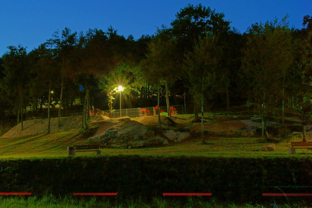 oswietlenie-monitoring-centrum-turystyczne-zalew-brodzki-1.JPG