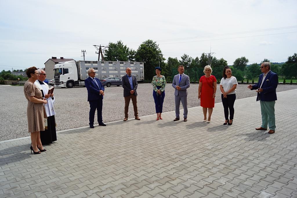 otwarcie-hala-produkcyjna-stykow-firma-zapala-zabudowy-marzena-bernat-wojt-gminy-brody-swietokrzyskie-05.JPG