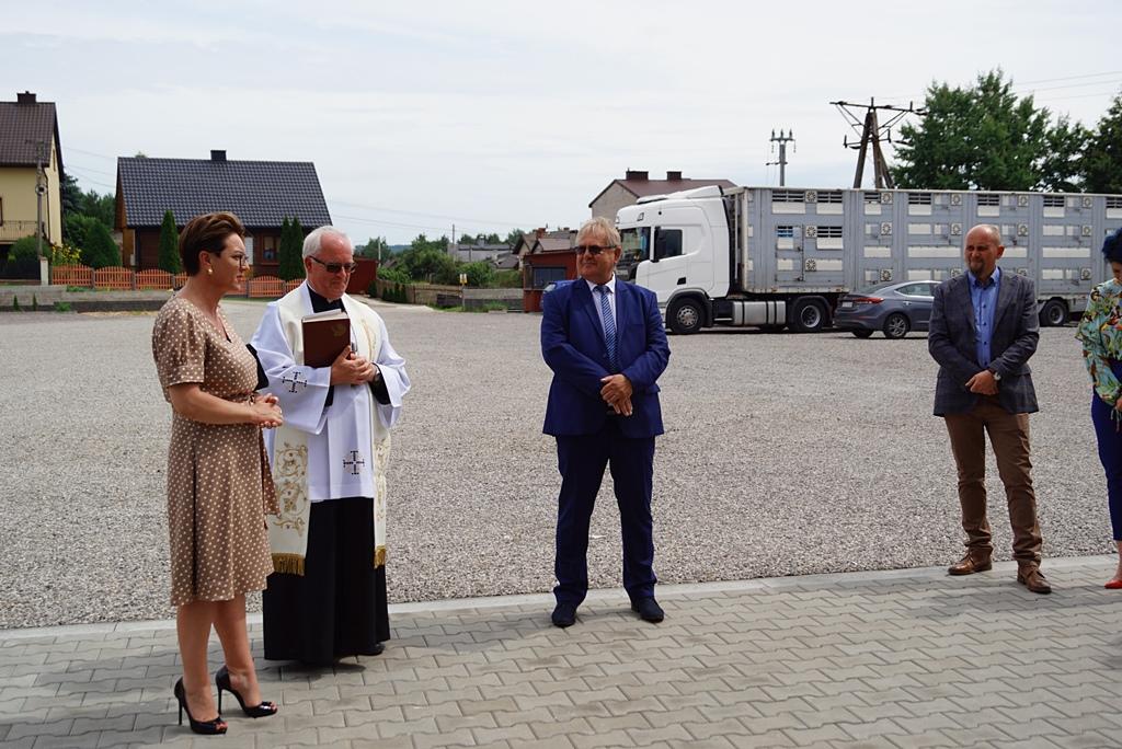 otwarcie-hala-produkcyjna-stykow-firma-zapala-zabudowy-marzena-bernat-wojt-gminy-brody-swietokrzyskie-08.JPG