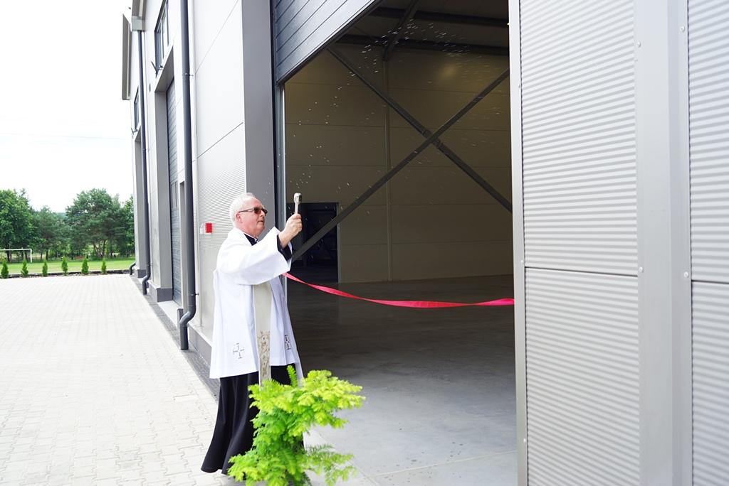 otwarcie-hala-produkcyjna-stykow-firma-zapala-zabudowy-marzena-bernat-wojt-gminy-brody-swietokrzyskie-12.JPG