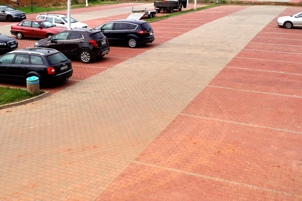 parking-panoramiczna-zalew-brodzki-centrum-turystyczne-1a.JPG
