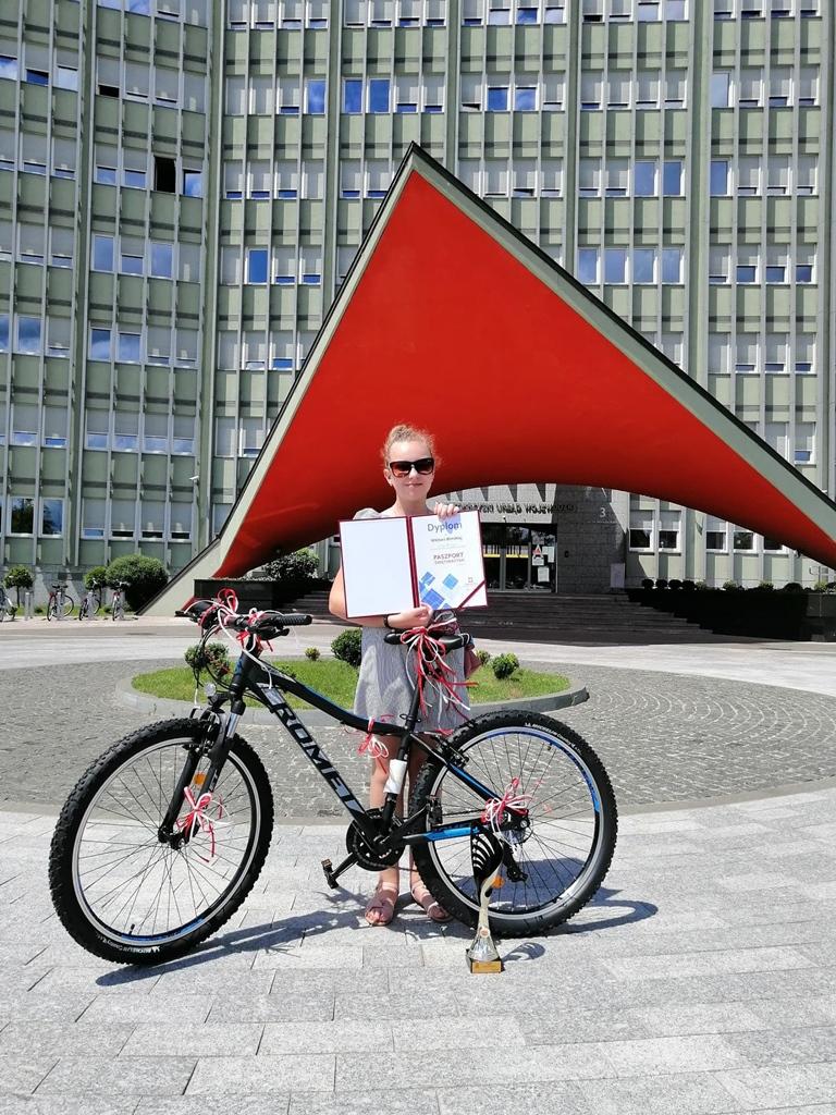 wiktoria-bilinska-laureatka-paszport-swietokrzyski-sukces-uczennicy-ze-stykowa002.jpg