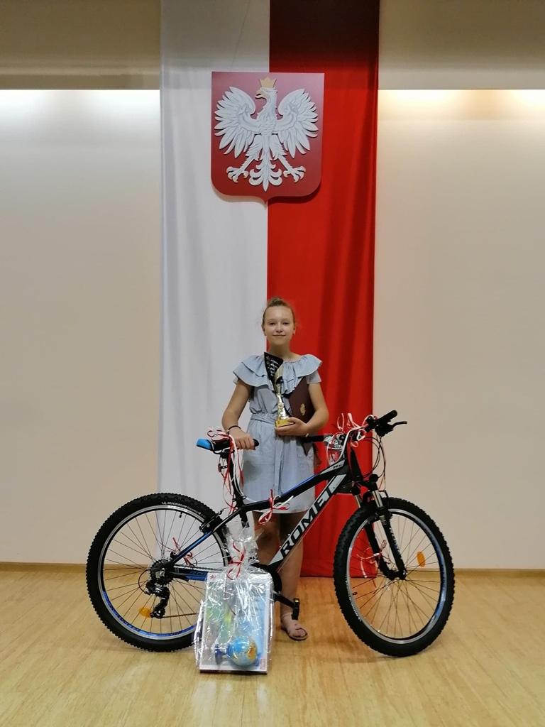 wiktoria-bilinska-laureatka-paszport-swietokrzyski-sukces-uczennicy-ze-stykowa003.jpg