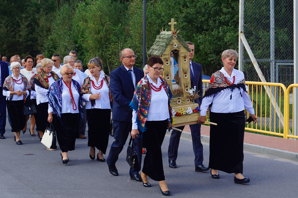dozynki-gmina-brody-adamow-2021-taniec-spiewy-tradycje-21.JPG