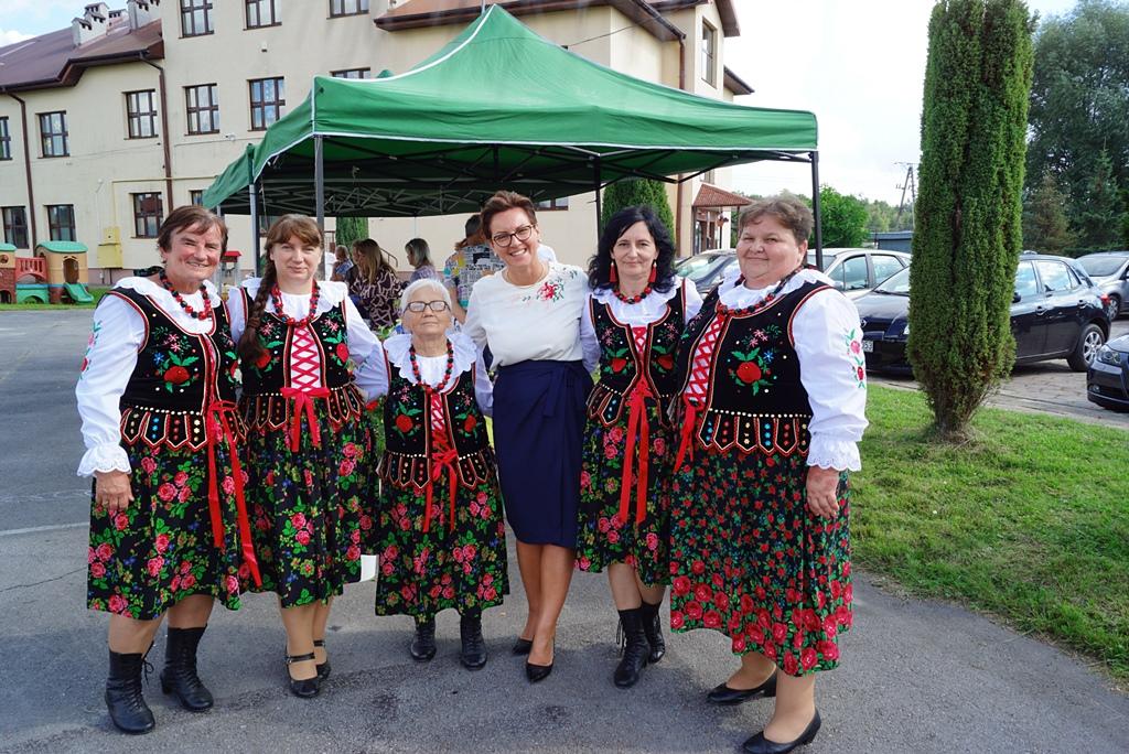 dozynki-gmina-brody-adamow-2021-taniec-spiewy-tradycje-51.JPG