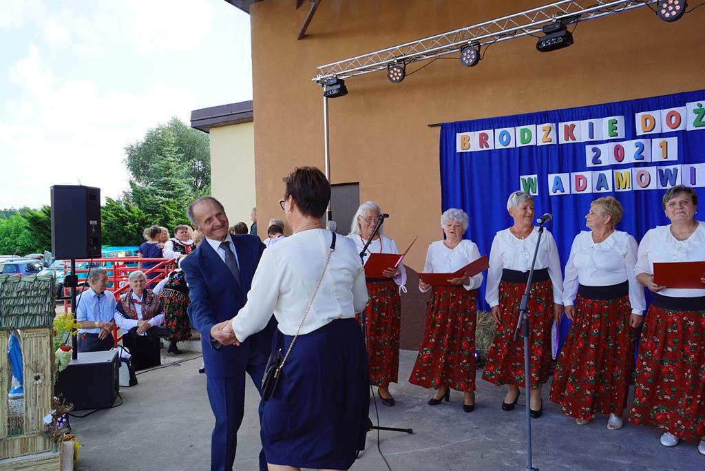 dozynki-gmina-brody-adamow-2021-taniec-spiewy-tradycje-62.JPG