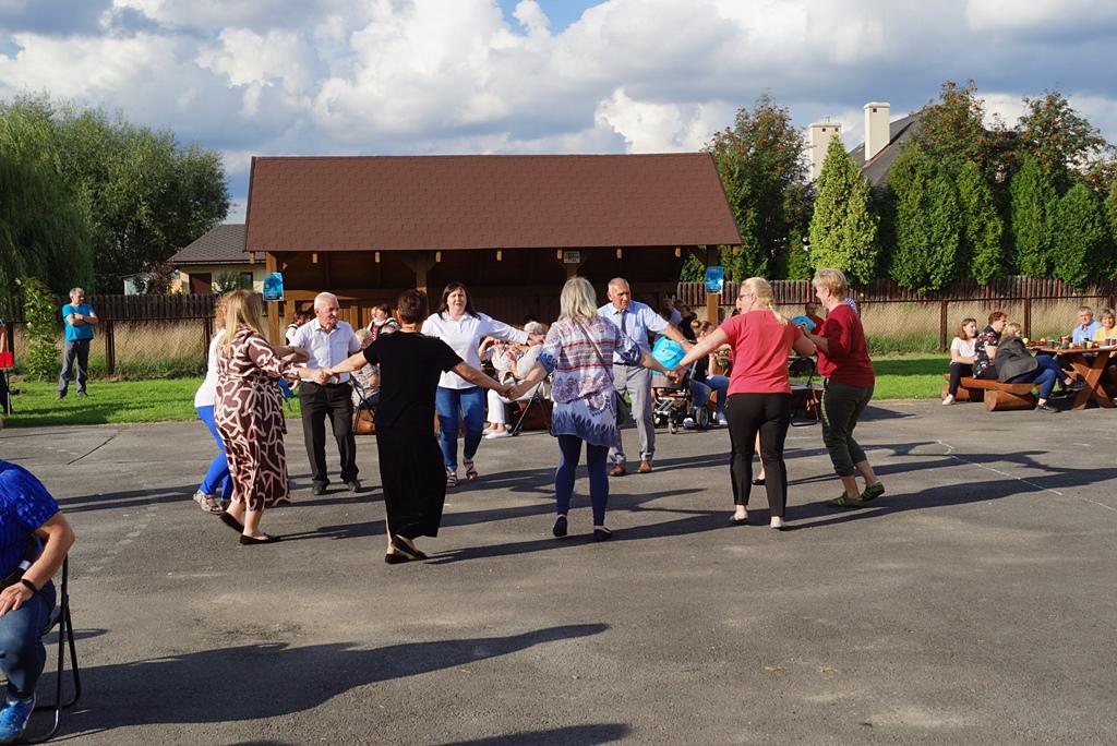 dozynki-gmina-brody-adamow-2021-taniec-spiewy-tradycje-84.JPG